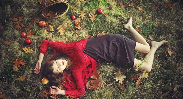История об отношениях на примере красных яблок