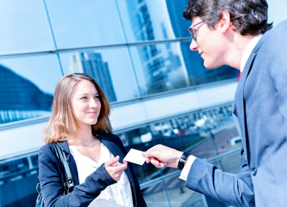 10 правил, как правильно заводить полезные знакомства